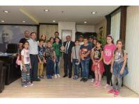 Yunan öğrenciler Çiğli'de