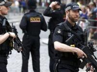 Canlı Bomba Saldırı Sonrası İngiltere'de Alarmda! 3800 Asker Sokağa İniyor