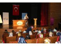 """Van'da """"Anne ve Çocuk Sağlığı Eğitimi"""" semineri"""