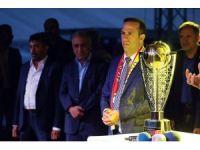 """Yeni Malatyaspor Başkanı Adil Gevrek: """"Bırakmamı gerektirecek bir durum mu var?"""""""