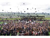 ARÜ'de mezuniyet coşkusu