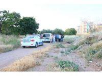 İzmir'de zeytinlik alanda erkek cesedi bulundu