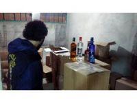 Gaziosmanpaşa'da tuvalet hortumuyla doldurulan 1 milyon TL'lik kaçak içki ele geçildi