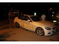 Şanlıurfa'da iki otomobil çarpıştı: 3 yaralı
