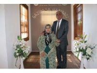 72 yaşında hayatının aşkını bulunca liseli aşıklara döndü