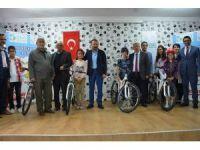 İzmit Belediyesi, 283 öğrenciye bisiklet hediye etti