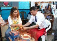 Başkan Turgut, festival stantlarını gezdi