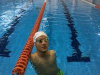 Beytullah Eroğlu, hayata yüzerek sarıldı