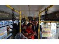 'İyilik Melekleri' belediye otobüslerinde