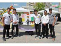 Lise öğrencileri bilimsel çalışmalarını sergiledi
