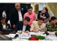 Filipinler Devlet Başkanı Duterte, sıkı yönetim yasasını imzaladı