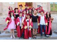 Ayvalık Gazi Ortaokulu'nda kep fırlatma heyecanı