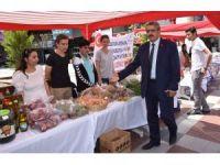 Başkan Alıcık, köy okulu yararına düzenlenen kermese destek verdi