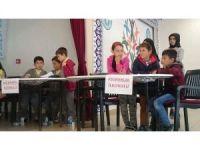 Aslanapa'da 11 okulun katıldığı bilgi yarışması