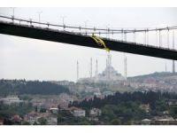 15 Temmuz Şehitler Köprüsü'ne Fenerbahçe bayrağı asıldı
