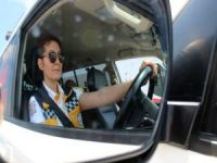 Kadın ambulans şoförleri erkeklere taş çıkartıyor