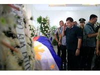 Duterte'den çatışmada yaralananlara ziyaret
