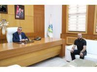 Futbolcu Hacıoğlu'ndan Başkan Toçoğlu'na ziyaret