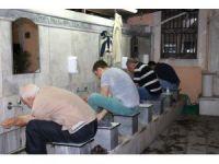 İzmir'de ilk teravih namazı kılındı