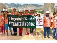 Kozan'da Tema gönüllülerine iletişim semineri ve çevre yürüyüşü