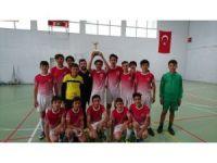 Üç Eylül Ortaokulu şampiyonluğa uzandı