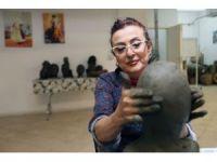 Yenimahalleli kadınlar eşlerinin heykellerini yapıyor