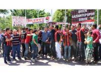 """Gaziantep taraftarından """"Kızıl"""" protestosu"""