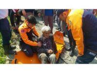 Uçuruma yuvarlanan yaşlı adam kurtarıldı