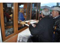 13 yıldır Kars'ta iftar topunu atıyor