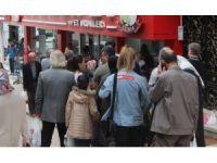 Bursa'da ucuz et izdihamı