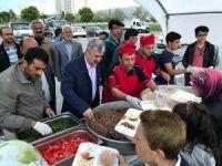 Hasta ve yakınları için iftar çadırı