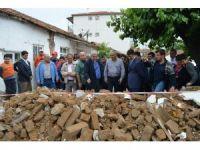 Vali Güvençer'den depremzedelere ziyaret