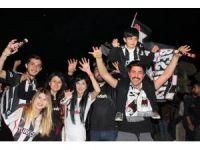 Şampiyonluk sevinci Kırşehir'de meşalelerle kutlandı