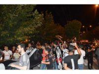 Mardin'de Beşiktaş şampiyonluğuna havai fişekli kutlama