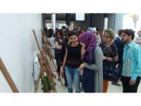 İletişim fakültesi öğrencilerinden 'öyle bir geçer zaman ki' adlı fotoğraf sergisi