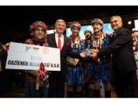 Gaziemir'in halk oyunları ekibi Türkiye birincisi oldu