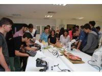 MABEM'li öğrencilerden İzmir Ekonomi Üniversitesine ilgi