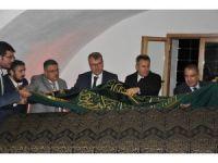 Kutlu Fethin 718'inci yıl dönümünde Şeyh Edebali'nin sanduka örtüsü değiştirildi