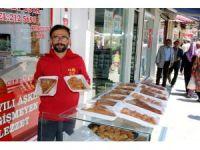 Yozgat'ta Ramazan tatlıları sokakta satılıyor