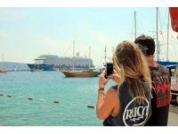 3 bin 653 turist bir anda Bodrum'a akın etti
