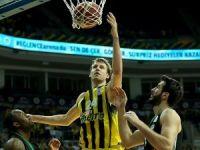 Fenerbahçe yarı final serisinde 1-0 öne geçti