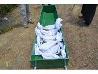 Antalya'da baraj altında kalacak 30 mezar nakledildi