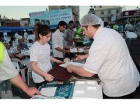 Seyhan'da her gün bin 500 kişilik iftar sofrası kuruluyor