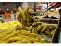 Ramazan'da turşu ve turşu suyunu tüketmeden bir daha düşünün
