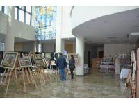 El sanatları sergisi belediye binasında