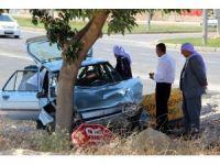 Otomobil ağaca çarptı: 4 yaralı