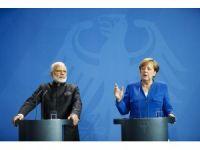 Merkel ile Modi ortak basın toplantısı düzenledi