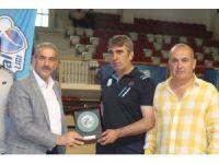Futsalda şampiyonluğu Arnavutköy kazandı