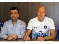 Adana Demirspor, Sezer Özmen ile 2 yıllık sözleşme imzaladı