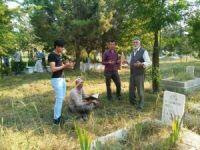 Hisarcık'ta arife günü mezarlık ziyareti geleneği